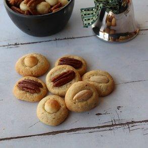 Mandelsmåkager med macadamia & pekannødder